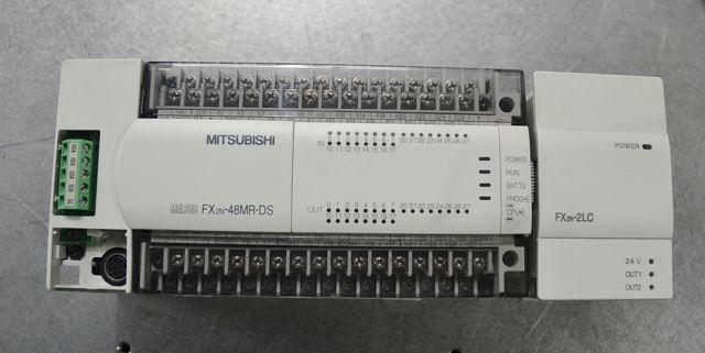 PLC Mitsubishi Serie FX2N y FX2NC.
